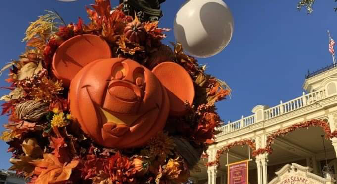 5 Great Reasons to Visit Mickey's Not-So-Scary Halloween Party!!