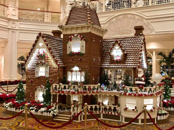 Why You Should Go To Disney During The Christmas Season 11