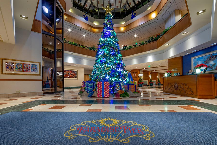 Best Ways to Celebrate the Holidays at the Hotels of the Disneyland Resort