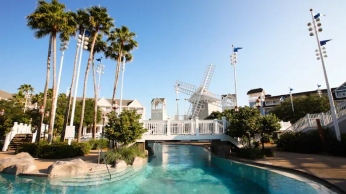 Top 5 Reasons to Stay at Disney's Yacht Club Resort 8
