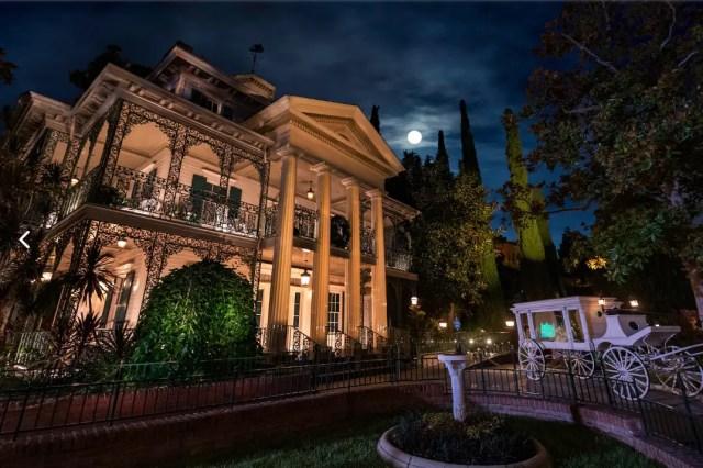 10 Disneyland Rides we Wish had On-Ride Photos 3
