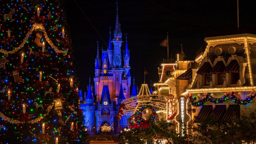 The Holiday Season Begins At Walt Disney World!