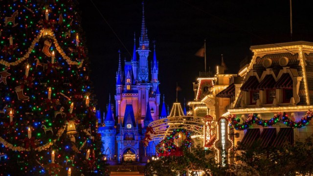holiday season walt disney world