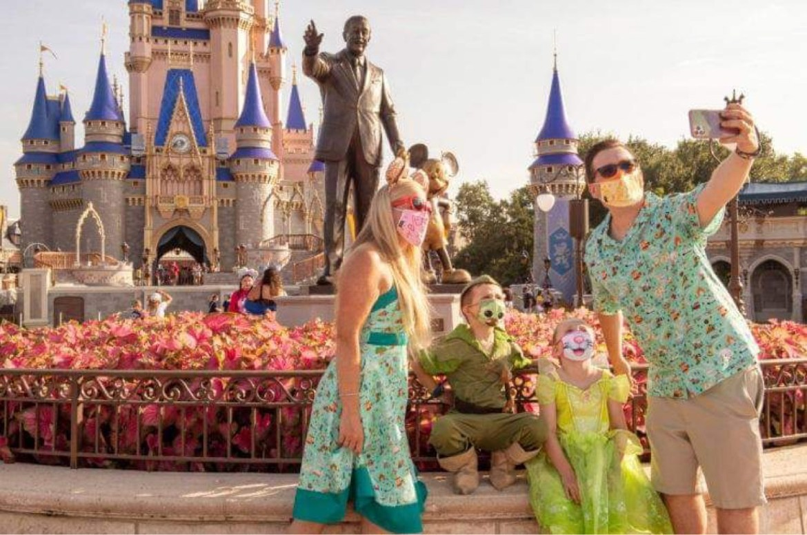 Should Disney Allow Mask-Free Photos at the Parks?