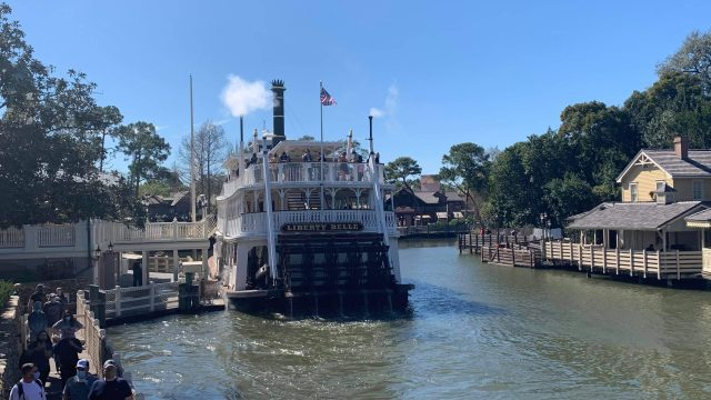 Liberty Belle Made Her Way Back To Rivers Of America!