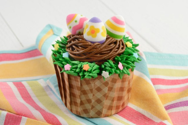 Guide to Tasty Easter Eats and Treats at Disney Parks 6