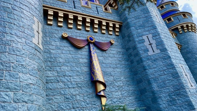 Cinderella Castle Receives First Piece Of Decor Ahead Of Disney World 50th Anniversary! 1