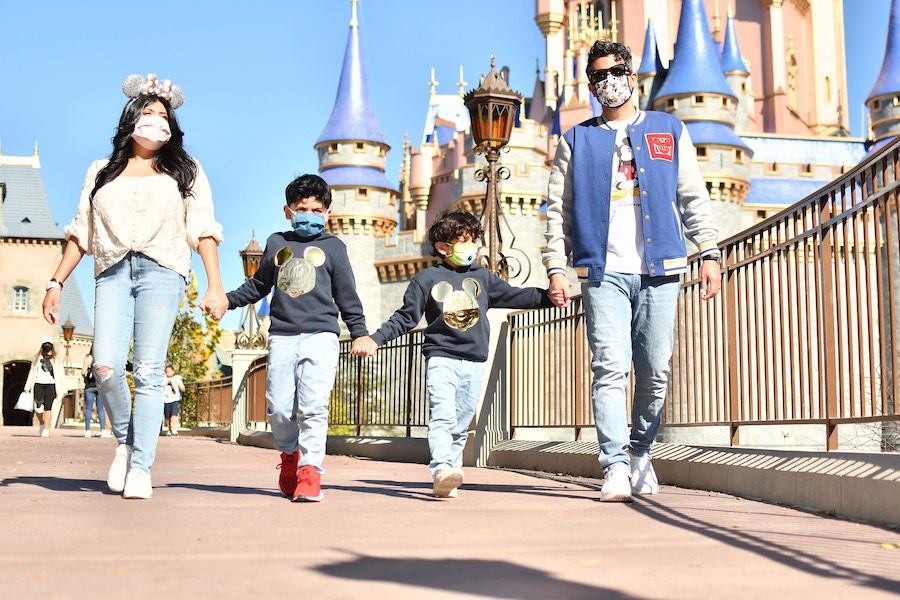 Capture All Your Vacation Memories With Disney PhotoPass!