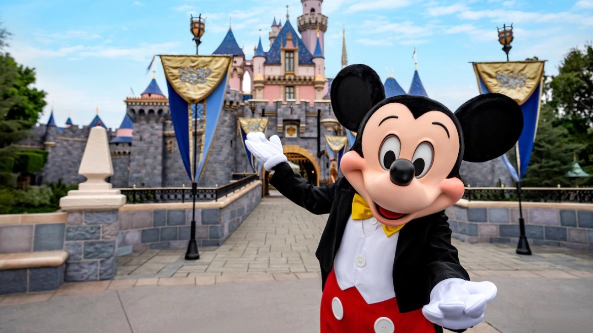 7 Ways To Have A Magical Summer At Disneyland!