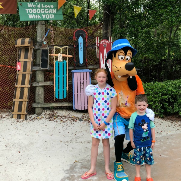 Disneys Blizzard Beach - Goofy Meet and Greet