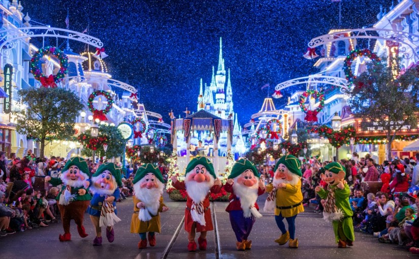 Mickey Very Merry Christmas Party Seven Dwarfs in Parade