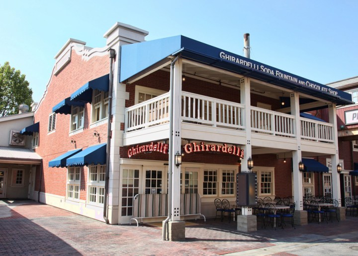 Ghirardelli Soda Fountain And Chocolate Shop Disney California Adventure Exterior 1