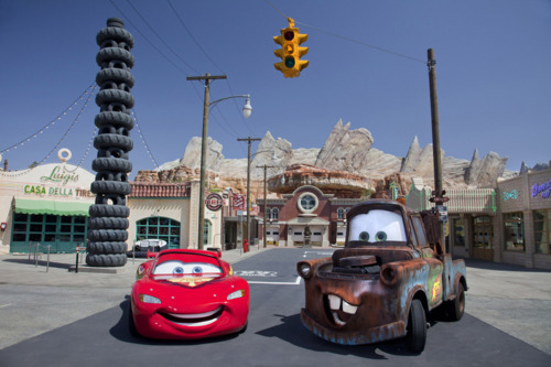 Lightning Mcqueen Mater Cars Land On Route 66
