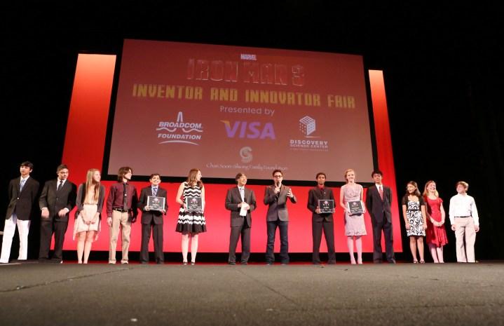 Patrick Soon Shiong Robert Downey Jr And Students Iron Man 3 Innovator And Inventor Fair El Capitan Theatre