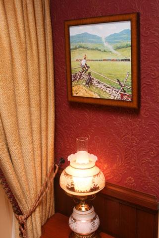 Disneyland Dream Suite Exclusive Tour Disneyexaminer Frontierland Bedroom Lamp
