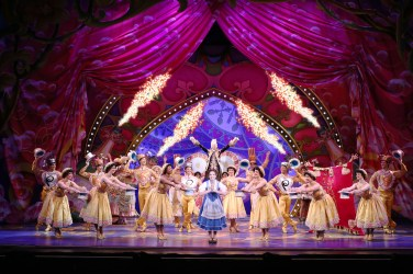 Disney Beauty And The Beast Musical Tour Segerstrom Center Opening Night Cast Be Our Guest Sequence