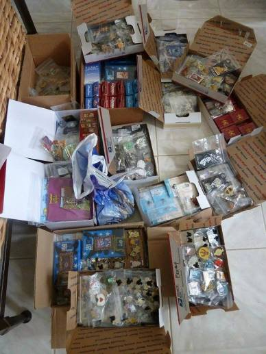 Disney Pin Trading Scrappers Or Counterfeits Disneyexaminer Collection
