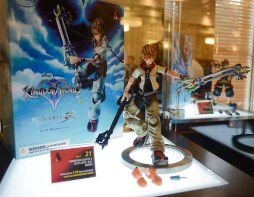 Disney Kingdom Hearts H D 2 5 Remix Launch Event Walt Disney Studios Sora Figure