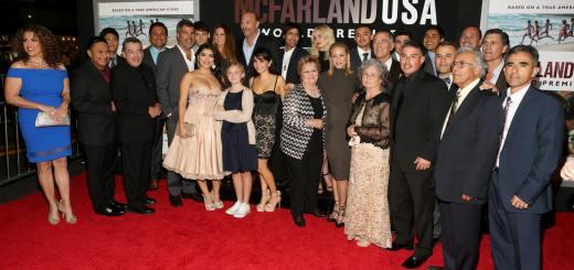 Disney Mcfarland Usa World Premiere Cast Group Picture