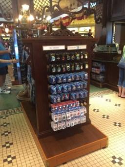 Disneyland Beginner Pin Traders Guide Disneyexaminer Emporium Shop 2