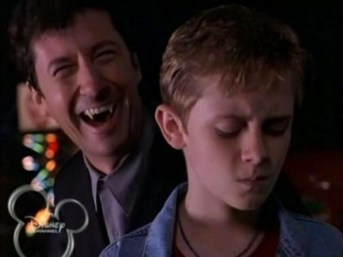 http://emertainmentmonthly.com/2012/10/31/nobody-does-halloween-quite-like-disney-channel-the-ultimate-disney-channel-original-halloween-movies/moms-got-a-date-with-a-vampire/