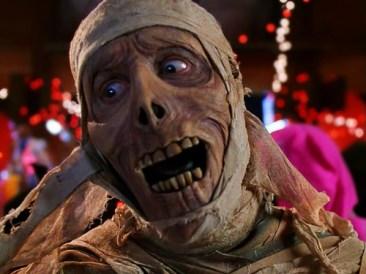 https://filmslikedreams.wordpress.com/2014/11/22/november-disney-extravaganza-6-under-wraps-1997-dir-greg-beeman/