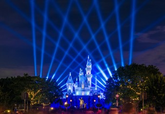 Sleeping Beauty Castle at night during the Diamond Celebration (Photo via DisneyTouristBlog)