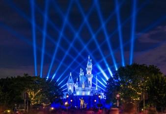 Sleeping Beauty Castle at night during the Diamond Celebration (Photo via DisneyTouristBlog)