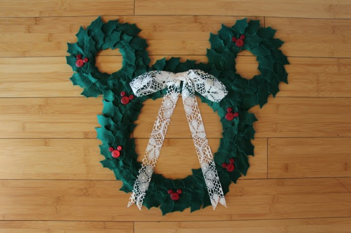 Mickey DIY Christmas Wreath 5