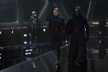 Star Wars The Force Awakens Review Disneyexaminer First Order Leaders