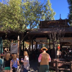 Grizzly River Run Worst Rides To Go On A Date At Disneyland 4