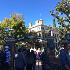 Haunted Mansion Best Rides To Go On A Date At Disneyland 3