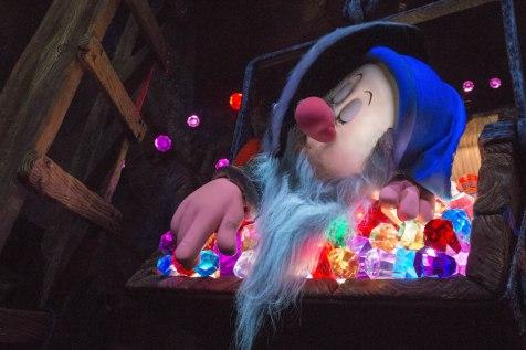 Seven Dwarfs Mine Train Scene Shanghai Disney Epicenter Disneyexaminer