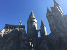 Harry Potter Wizarding World Hollywood Immersive Experience Feature Hogwarts Castle
