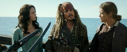 Pirates Of The Caribbean Dead Men Tell No Tales Review DisneyExaminer Jack Sparrow