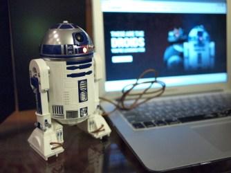 Sphero Star Wars Droid Review DisneyExaminer R2D2 Computer