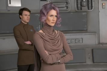 Star Wars The Last Jedi Vice Admiral Amilyn Holdo Laura Dern