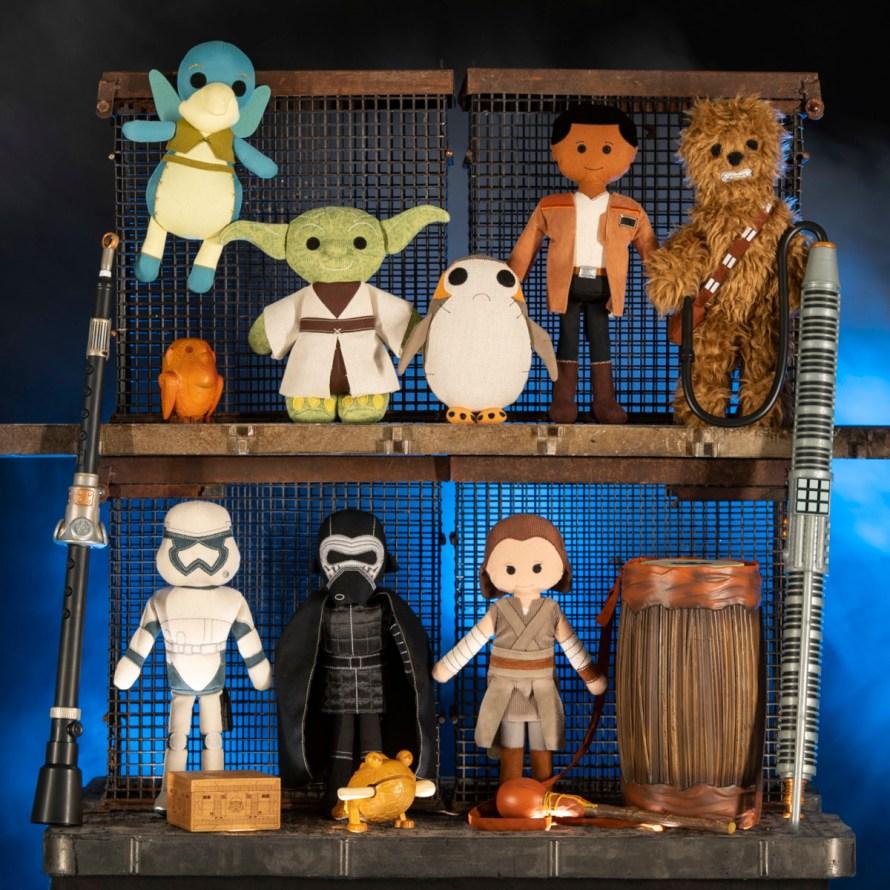 Star Wars: GalaxyÕs Edge Merchandise Ð Artisan-Style Toys