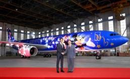 HKMSH_Shanghai-Disney-Resort-Signs-Alliance-Agreement-with-China-Eastern-Airlines_上海迪士尼度假區與東方航空達成聯盟_彩繪飛機正式亮相
