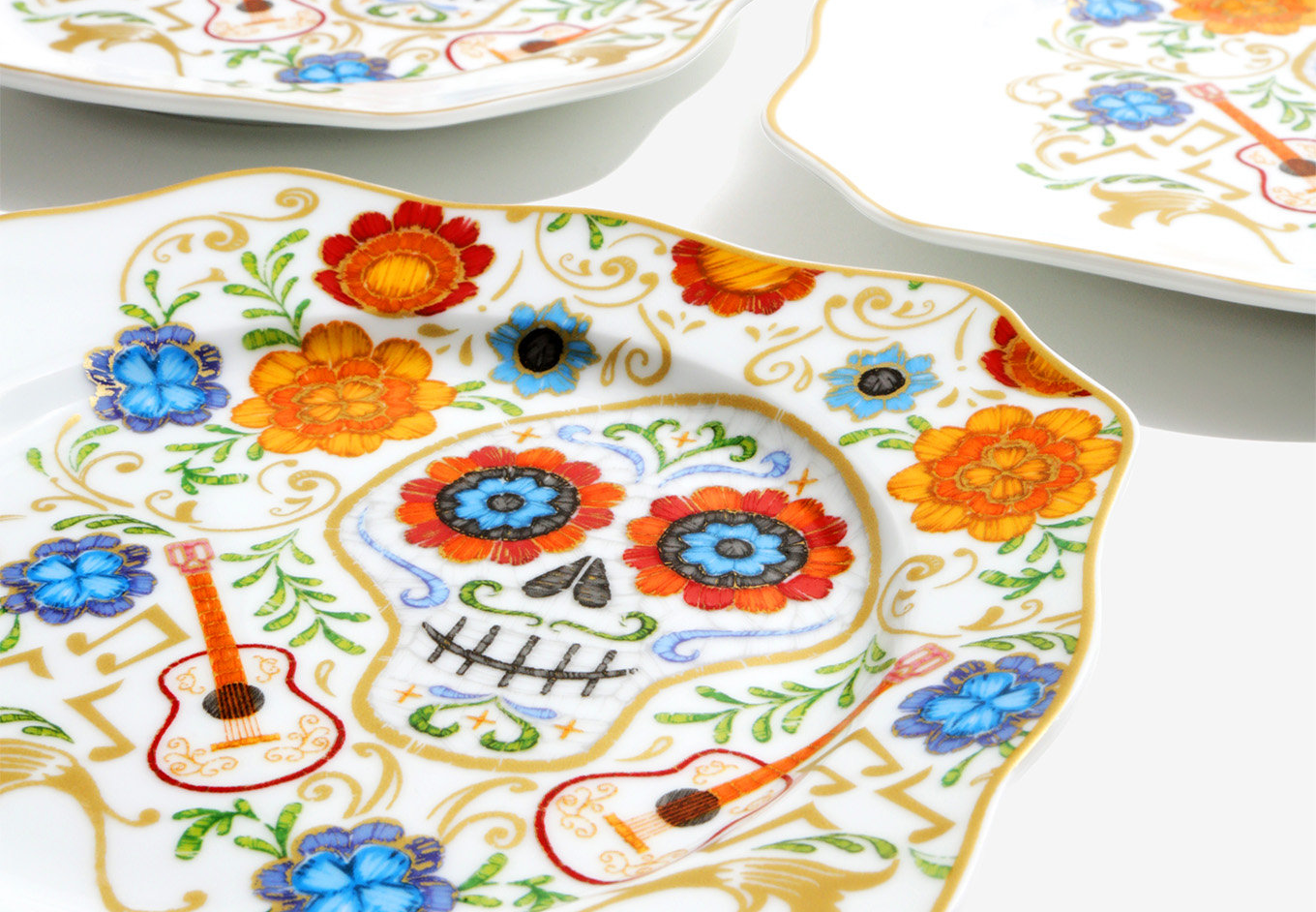 Disney Pixar Coco Floral Plate Set  sc 1 st  The Disney Fashionista & Celebrate and Feast with the Disney Pixar Coco Floral Plate Set