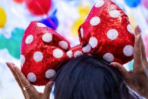 Minnie Oversized Bow Headband