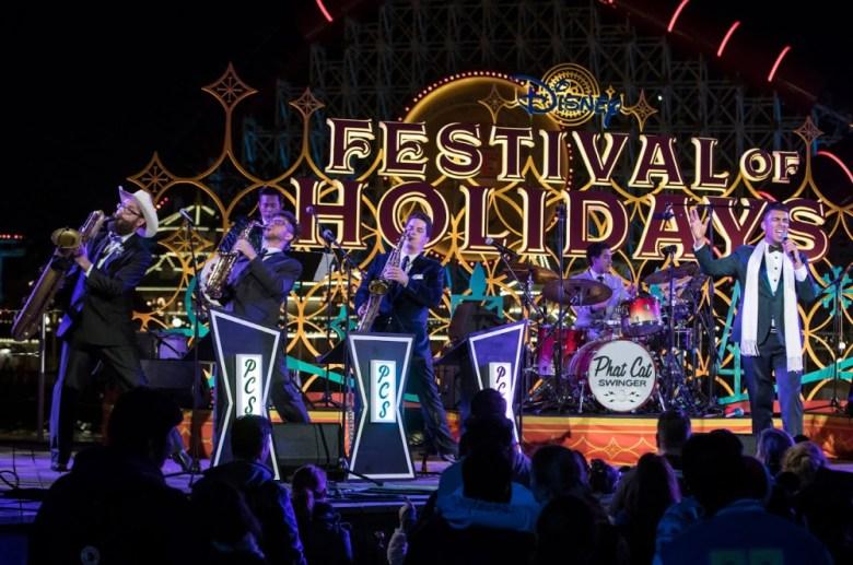 grupo de Jazz tocando en el Festival of Holidays en Disney California Adventure