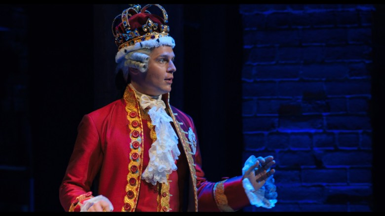 Jonathan Groff como Rey George III en Hamilton