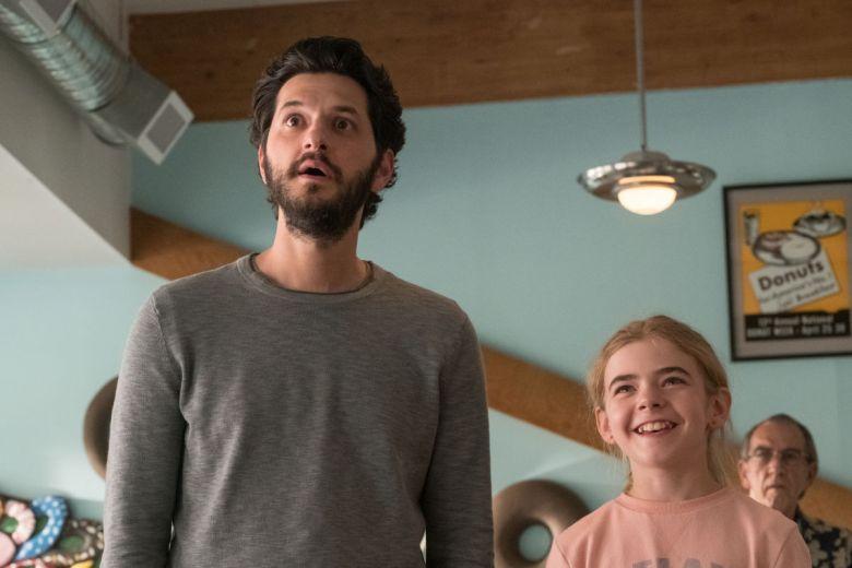 Reseña de Flora y Ulises aquí una escena de Flora y su papá Ben