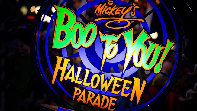 Disney World's Mickey's Not-So-Scary Halloween Party 2017 Mickey's Boo-to-You Parade