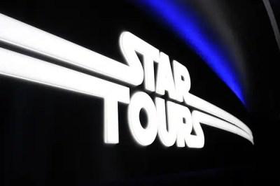 Star Tours – The Adventures Continue (Disneyland)