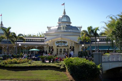 The Crystal Palace (Disney World)