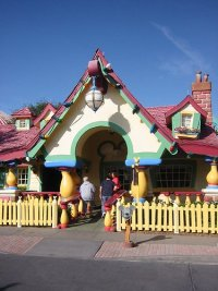 Mickey Mouse's House  | Extinct Disney World Attractions