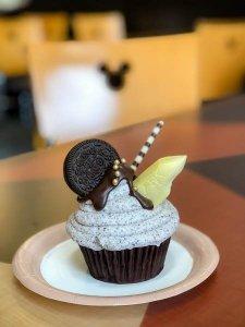 monorail cupcake