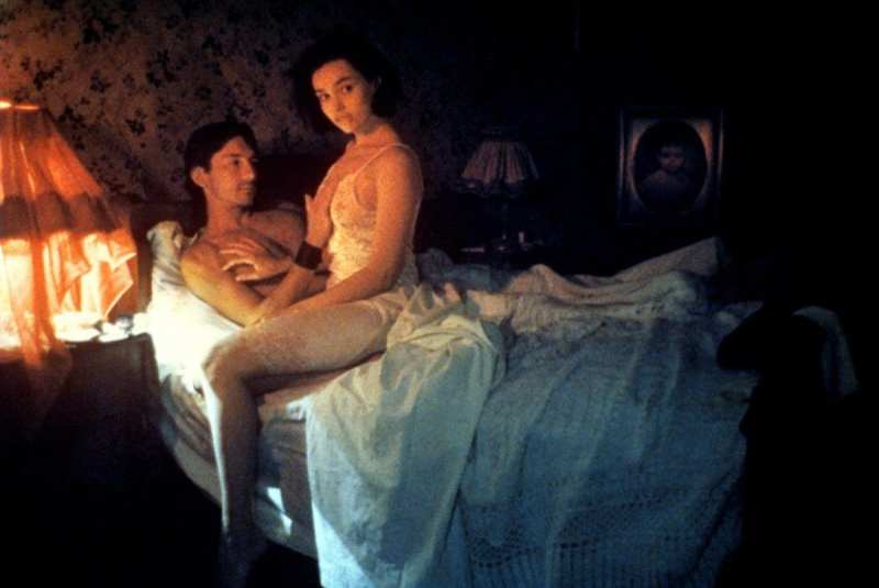 betty and jorg in bed